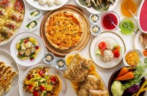 お部屋お任せでお得に宿泊できる直前割プランです。食事は小さなお子様から大人の方まで楽しめる人気の和洋中ブッフェ(バイキング)。