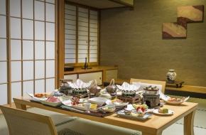 旅館と言ったら「お部屋食」という方のプランです。<br /> 食事も自分達だけで楽しみたいですよね。<br /> お部屋食がご希望の方はこちら
