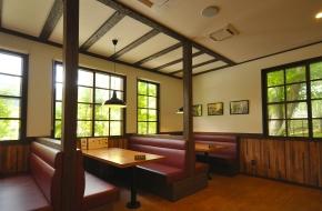 日光金谷ホテル歴史館(侍屋敷)に隣接、金谷ホテルベーカリーのパンを使った料理が味わえます。<br /> <br /> 定 休 日 無休(12~3月は不定休)<br /> 営業時間 4~11月 9:00~17:00、12~3月 10:00~16:00